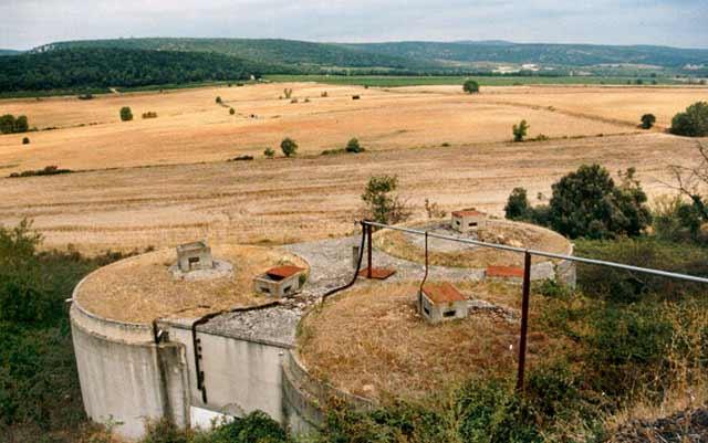 2by4-Wijnhuis-'St-Esteve'-surrouding-landscape